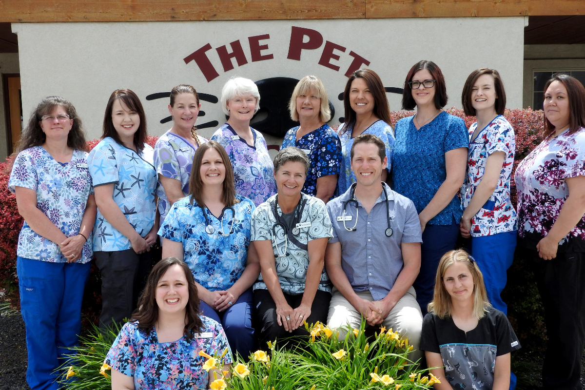 group-photo-2018-pet-doctor.jpg